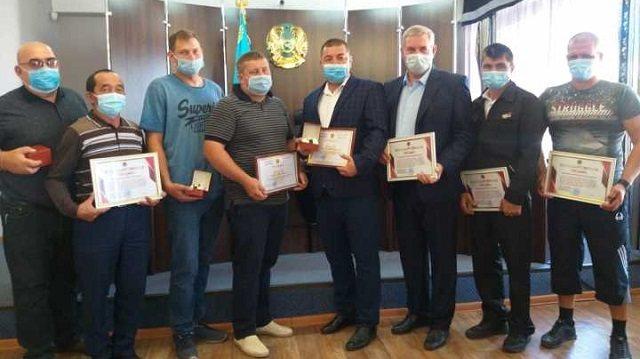 В Костанае наградили участвовавших в тушении крупного пожара