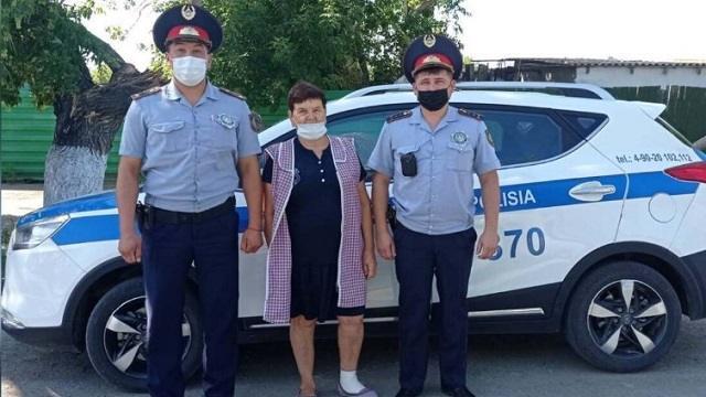 Полицейские оказали помощь сельчанке из Костанайской области