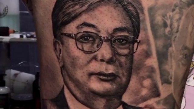 Татуировку с портретом Токаева набили в Казахстане