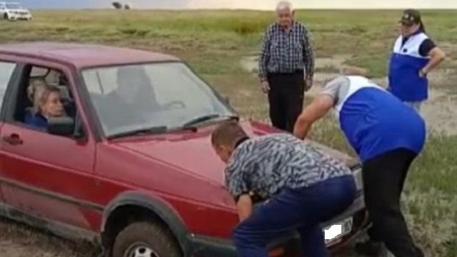 82-летний мужчина с дочерью-инвалидом заблудились после рыбалки