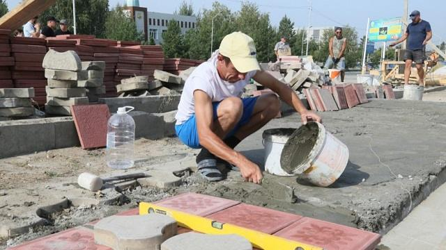 Аллею Независимости достраивают в центре Тобыла