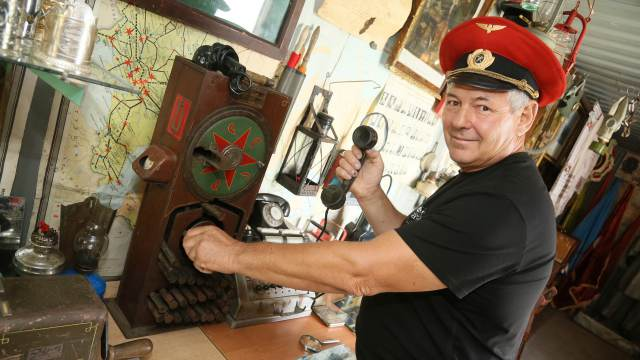 Музей эпохи СССР в контейнере создал житель Костанайской области