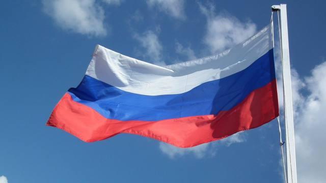 Каждый день будут поднимать государственный флаг в школах России