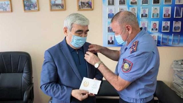 Полковник в отставке из Костаная награжден медалью Министра МВД