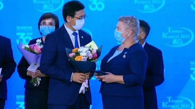 Педагог из Лисаковска удостоен государственной награды