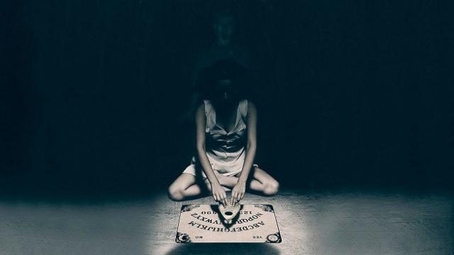 Припадки и кровь из носа: Чем заканчиваются спиритические сеансы?