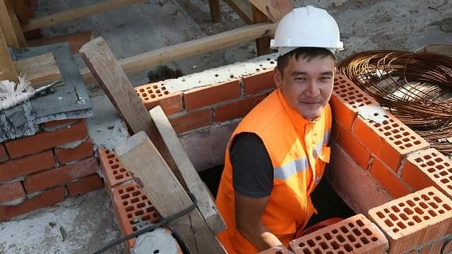 «С Днем строителя!»: Новый жилой район «Кунай» растет на глазах