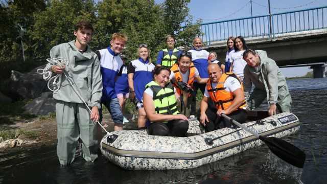 Лодка для поисков на воде появилась у волонтёров в Костанае