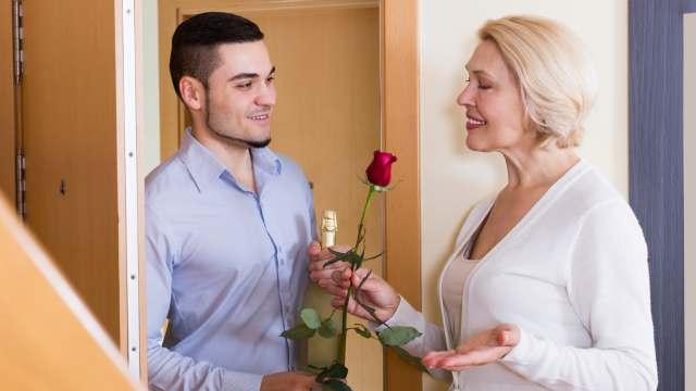 «Нашла помоложе»: Неравные браки звёзд из Казахстана
