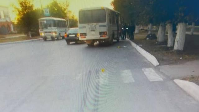 Насмерть сбил женщину автобус в Костанайской области