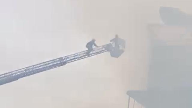 Мельница загорелась на территории промзоны в Костанае