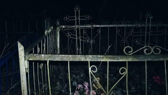 Страшную находку сделали на кладбище в Алматы
