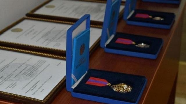 Жертвы алматинского стрелка посмертно награждены Токаевым