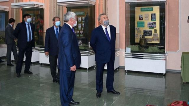 Назарбаев посетил родину своей матери в Жамбылской области