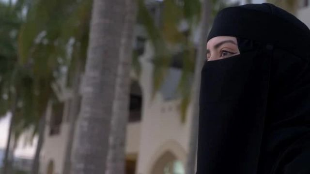 Афганских студенток университетов обязали носить абайи и никабы