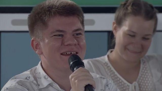 Видео: Подросток поправил Владимира Путина на открытом уроке