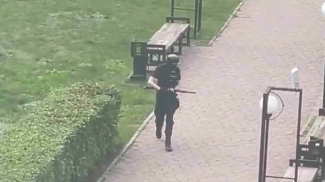 18-летний парень устроил стрельбу в университете Перми