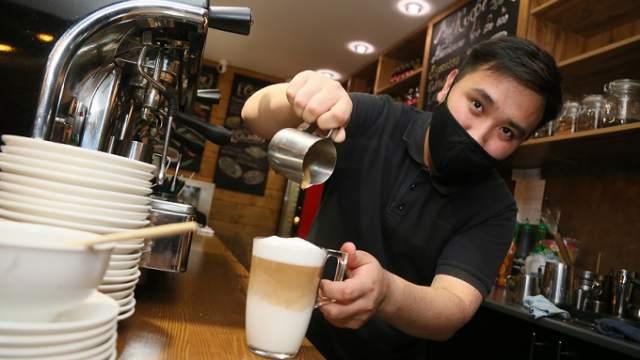 «Нюансов много»: Кофе с щепоткой любви готовит парень в Костанае
