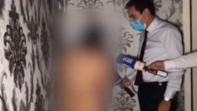 Видео: Блогер обвинил голую женщину в проституции в её доме