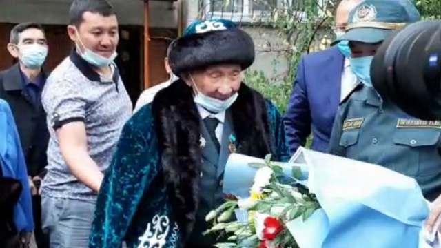 100 лет отмечает солдат Панфиловской дивизии Кайырлы Жонкабаев