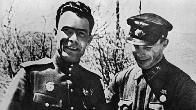 Из-за чего у Брежнева развилась страсть к наградам