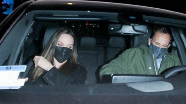 Анджелину Джоли застали на свидании с бывшим супругом