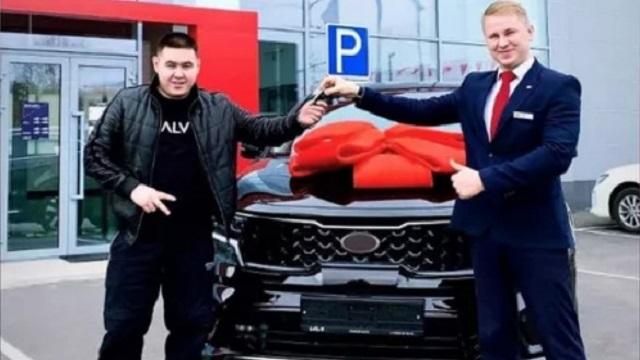Иманбек сменил свою легендарную Lada Priora на новое авто