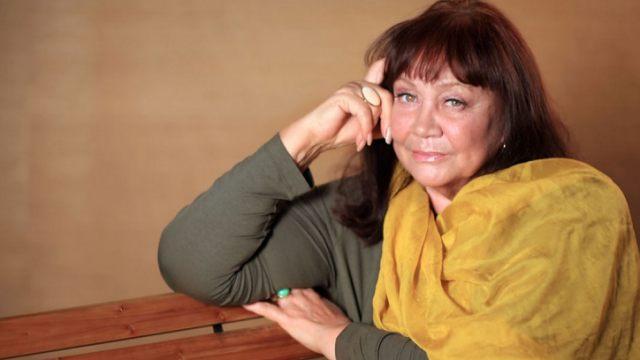 Звезда советского кино Лариса Лужина живёт с внуком в бане