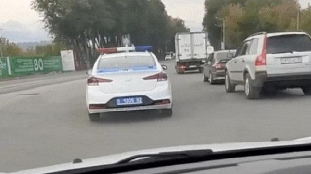 «Задыхалась»: Полицейские Алматы спасли женщину с онкологией