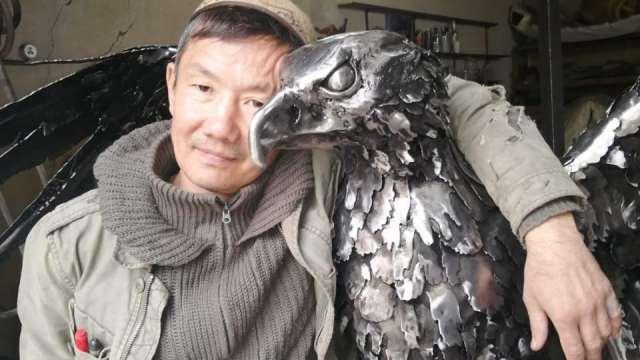 Кованое железо превращает в шедевры самоучка из Костаная