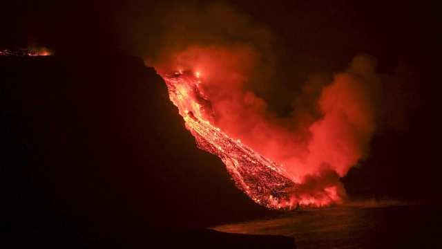 Канары в огне: прямая трансляция извержения вулкана в Испании